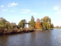 Rondvaart over de Linge vanuit Leerdam met bezoek glasblazerij